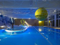 Gubbio hotels with swimming pool