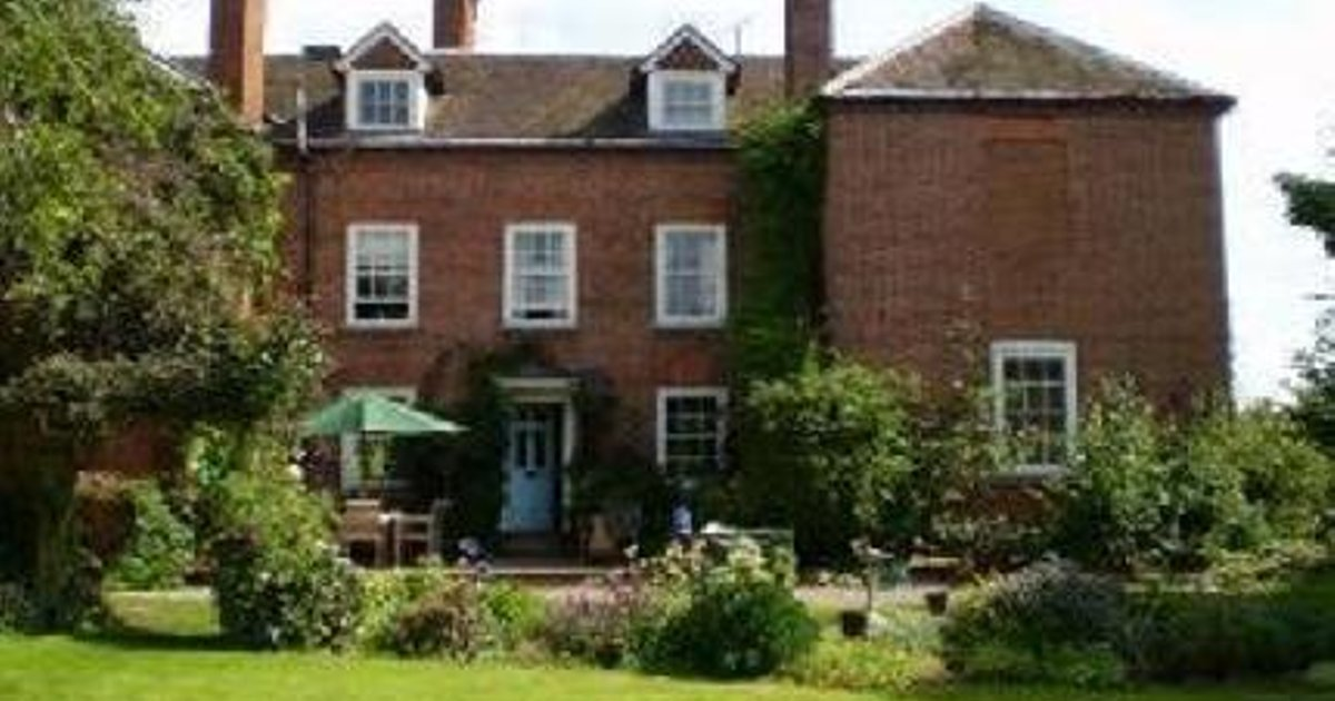 Orleton Court Farm Bed and Breakfast