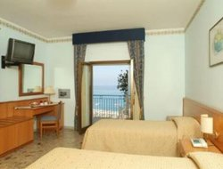 Amantea hotels with sea view