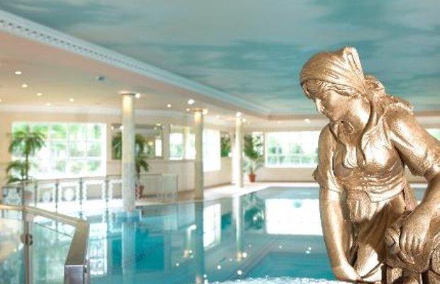 фото Wolseley Holiday Lodges 111518236