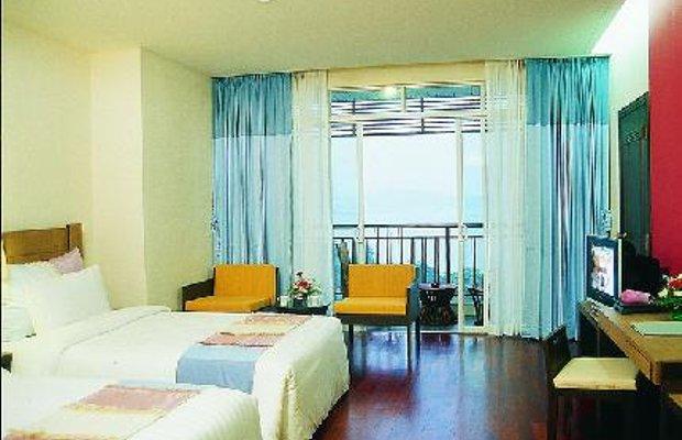 фото Pattaya Discovery Beach Hotel 111860625