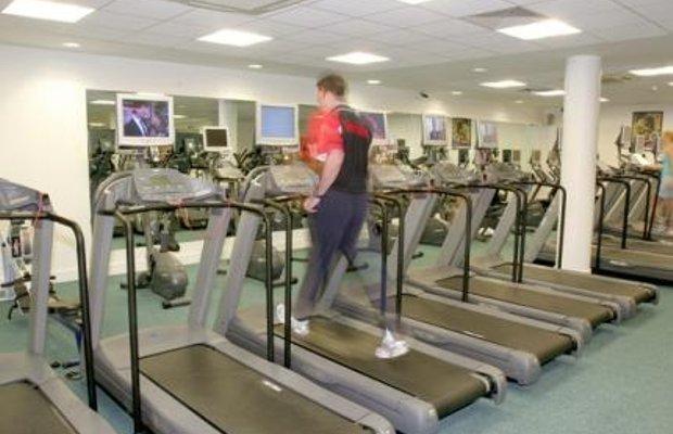 фото Maldron Hotel & Leisure Club Cardiff Lane 116095187