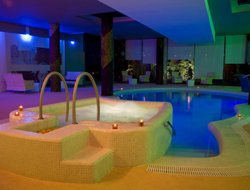 Penafiel hotels with swimming pool
