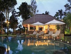 Penginjahan hotels with swimming pool
