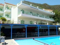 Perigiali hotels with swimming pool