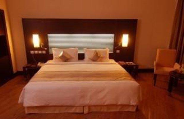 фото Holiday Village & Residence 1209586114