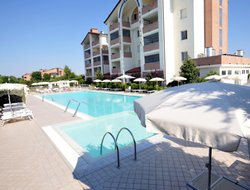 Lido degli Estensi hotels with swimming pool
