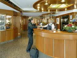 Gotha hotels with restaurants