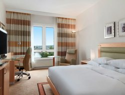Bonn hotels with river view