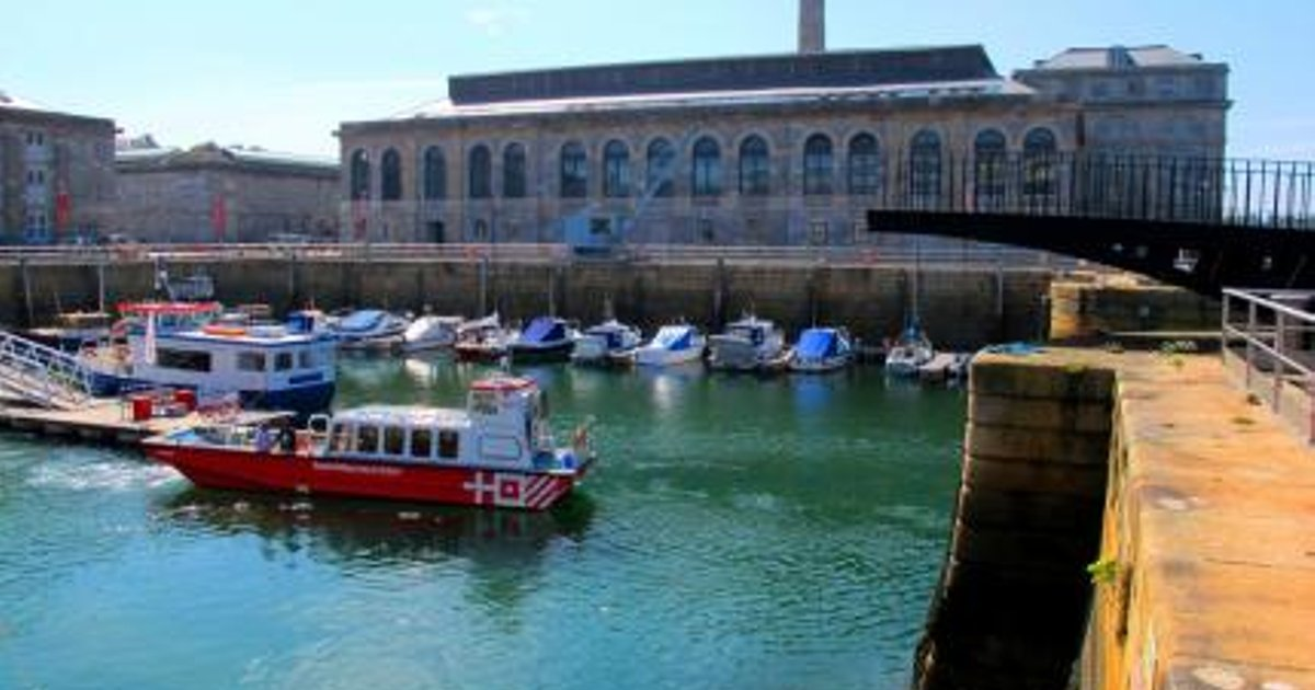 Plymouth Serviced & Holiday Apartment - Royal William Marina