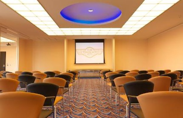 фото Cork International Airport Hotel 144611733