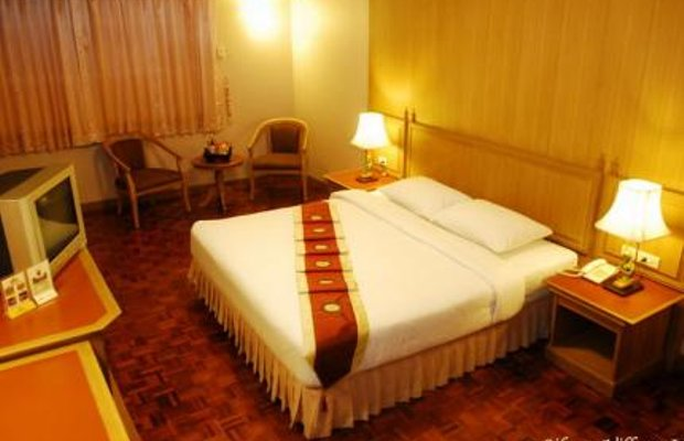 фото Silom Village Inn 145048763