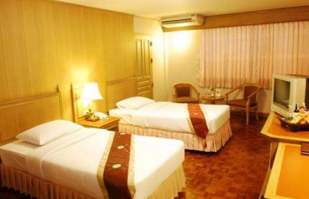 фото Silom Village Inn 145048766