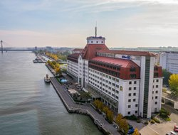 Vienna hotels for families with children