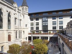 Pets-friendly hotels in Reims
