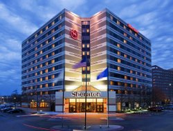 Business hotels in Rosemont