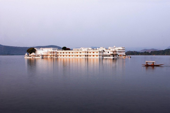 lake_view_hotels