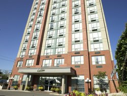 Kitchener hotels with restaurants