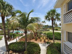 Sanibel hotels for families with children