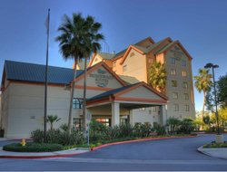 Garden Grove hotels with restaurants
