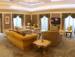Abu Dhabi City hotels with restaurants