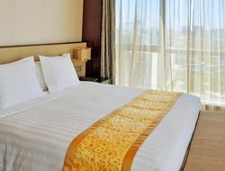Ningbo hotels with restaurants