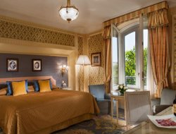 Top-10 romantic Madrid hotels