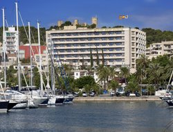 Top-10 hotels in the center of Cala Mayor