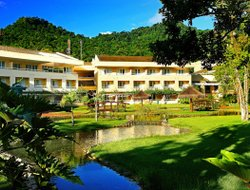 Angra dos Reis hotels with swimming pool