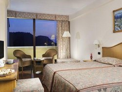Costermano hotels with lake view