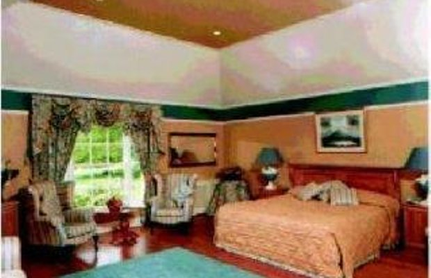 фото LIFFEY VALLEY HOUSE HOTEL 1631746965