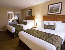 Osoyoos hotels with restaurants