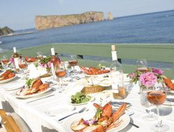 Perce hotels with restaurants