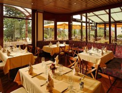 Fribourg hotels with restaurants