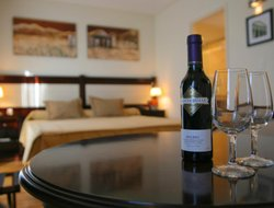 Mendoza hotels with restaurants