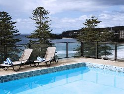 Top-4 hotels in the center of Manly