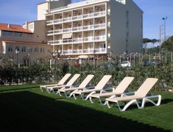 Mataro hotels with swimming pool
