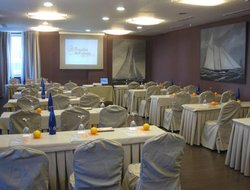 Torrejon de Ardoz hotels with restaurants