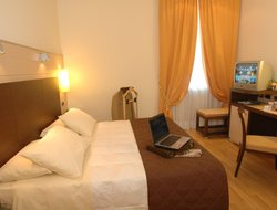 Brescia hotels with restaurants