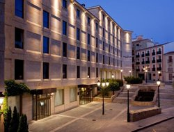 Salamanca hotels with restaurants