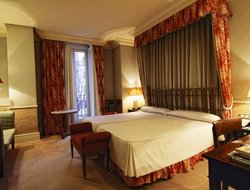 Madrid hotels with restaurants