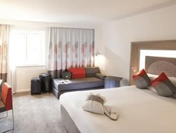 Pets-friendly hotels in Brentford
