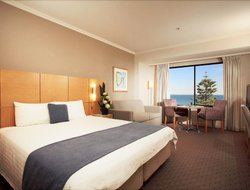 Glenelg hotels with restaurants