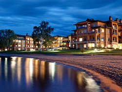 Osoyoos hotels for families with children