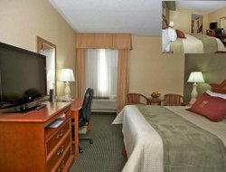 Pets-friendly hotels in Woodbridge