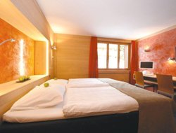 Saanen hotels with swimming pool