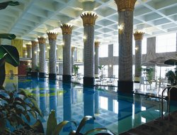 Dongguan hotels with swimming pool