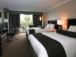 Top-4 romantic North Vancouver hotels