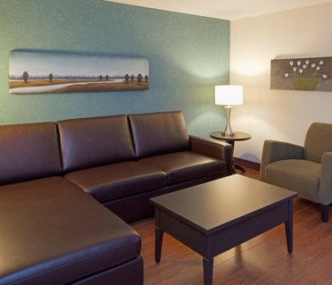 Holiday Inn Express Hotel & Suites Saint - Hyacinthe
