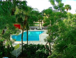Miami Lakes hotels with restaurants